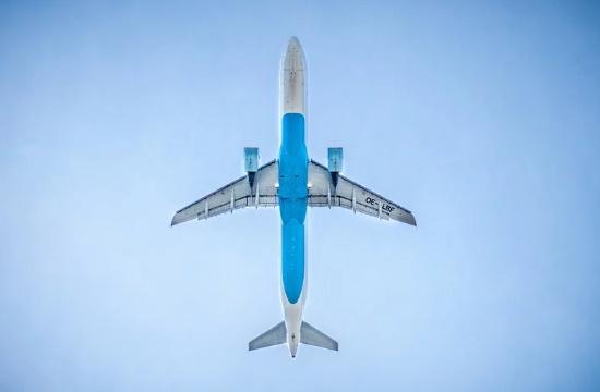 EASA: Μόνο έτσι θα είναι ασφαλείς οι πτήσεις – Ιατρικές μάσκες για όλους και κενές θέσεις