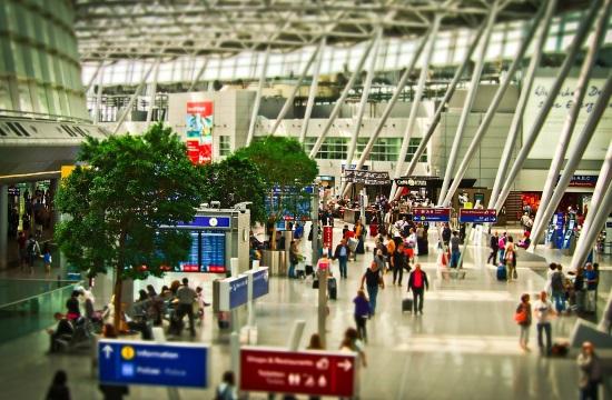 Ελληνικός τουρισμός: Λιγότερες αεροπορικές θέσεις τον Σεπτέμβριο και Οκτώβριο- η εικόνα στους προορισμούς