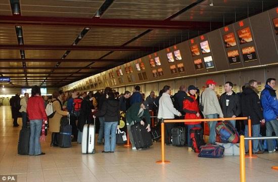 770.000 επιπλέον διεθνείς αεροπορικές αφίξεις στο 11μηνο