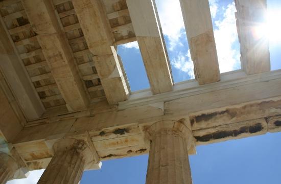 ΥΠΠΟ: Αποκατάσταση της αντικεραυνικής εγκατάστασης στην Ακρόπολη