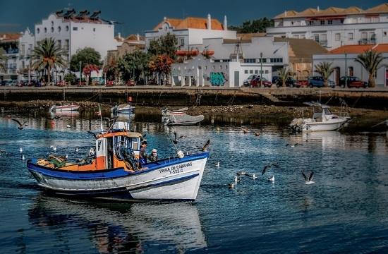 """Βρετανία: Έκρηξη κρατήσεων για την """"πράσινη"""" Πορτογαλία"""