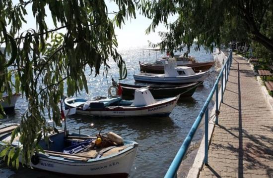 Αλιευτικός τουρισμός με ψαροκάικα