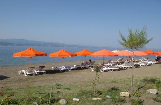 Ξενώνας νέων και επέκταση κάμπινγκ στην Εύβοια