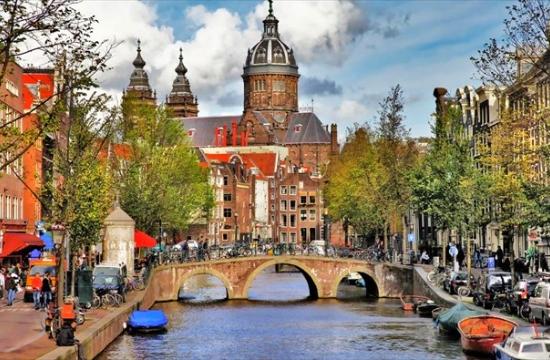 Το Άμστερνταμ κόβει στο μισό το όριο διανυκτερεύσεων στα σπίτια της Airbnb