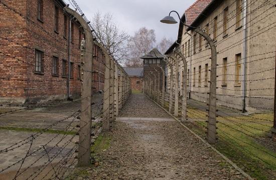 Γερμανία: Υποχρεωτικές σχολικές εκδρομές σε στρατόπεδα συγκέντρωσης;