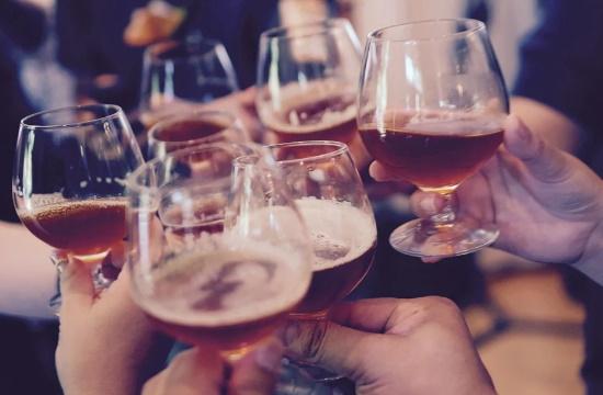 Μαγιόρκα: Μεθυσμένος Βρετανός έβηχε επάνω σε άλλους λέγοντας ότι έχει κορωνοϊό