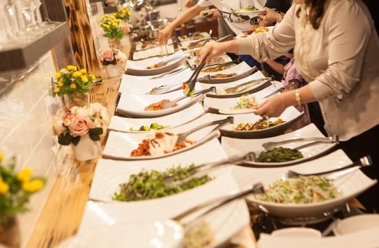 Ο κορωνοϊός αλλάζει τη διατροφή στα ξενοδοχεία - Τέλος ο μπουφές;