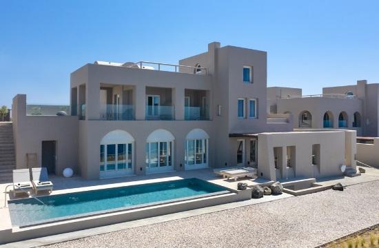 Στον όμιλο Caldera Collection το ξενοδοχείο Arota Exclusive Villas by Denaxia στη Σαντορίνη