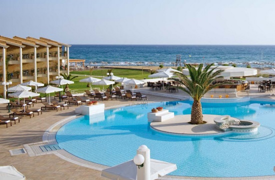 TUI: Προσφορές για διακοπές με 7 διανυκτερεύσεις - και σε ξενοδοχεία της στην Ελλάδα