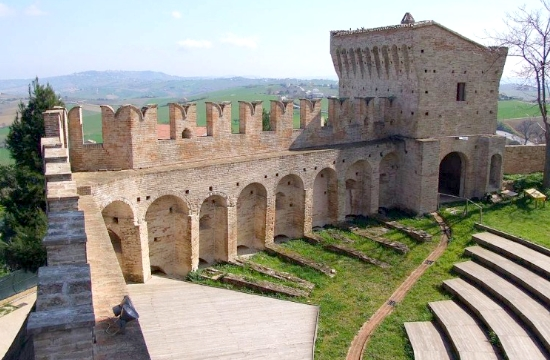 Η Ιταλία... χαρίζει τα κάστρα της- το μεγάλο στοίχημα για τον τουρισμό