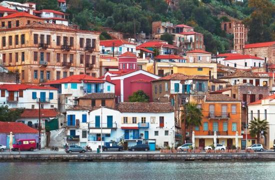 Ο τουρισμός του Γυθείου μετρά απώλειες από τον ακτοπλοϊκό αποκλεισμό με τα Κύθηρα