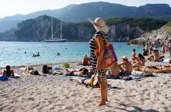Ελληνικός τουρισμός 2019: 2 δισ. ευρώ περισσότερα έσοδα στο 11μηνο