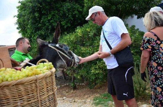 Δύο παλαιά Κρητικά έθιμα αναβιώνουν στο Creta Maris Beach Resort