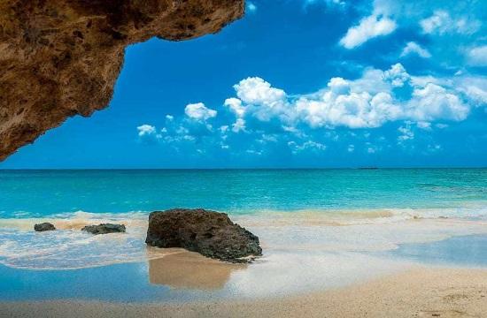 ΚΕΠΕ: Στυλοβάτης της ανάπτυξης το 2021 ο τουρισμός | Αύξηση του ΑΕΠ κατά 2,9% με το 50% των εισπράξεων του 2019