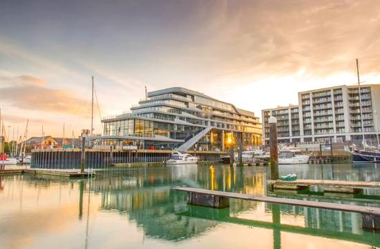 Η νέα μόδα: Ξενοδοχεία σε σχήμα πλοίου