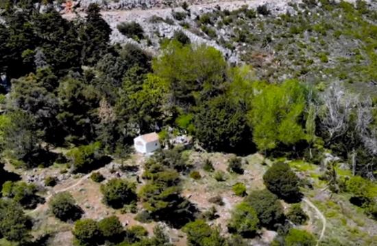 Το μοναχικό εκκλησάκι στην Πάρνηθα που ίσως δεν γνωρίζεις