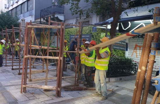 Αθήνα: Kατάρρευση μέρους διατηρητέου κτιρίου στην οδό Αιόλου