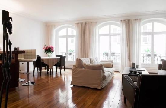 Airbnb: Μια δίκη στο Παρίσι με παγκόσμιο ενδιαφέρον για τις τουριστικές μισθώσεις σπιτιών