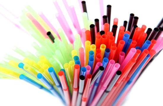 ΕΕ: Ποια πλαστικά μιας χρήσης καταργούνται