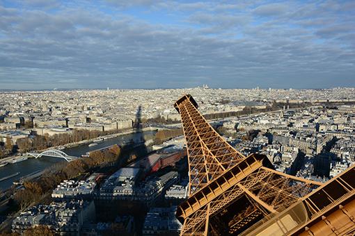 Η Γαλλία κλείνει καφέ και εστιατόρια, κάτι που δεν έγινε ούτε στον Β' Παγκόσμιο Πόλεμο!
