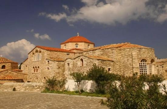 Η επιβλητική εκκλησία και ο θρύλος με τις 100 πόρτες