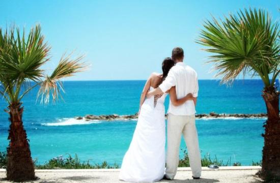 Ο γαμήλιος τουρισμός στη Σαντορίνη: Προβολή μέσα από ξένη τηλεοπτική σειρά