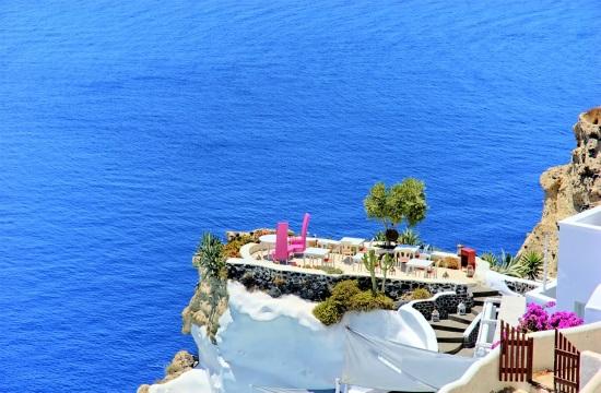 ΚΕΠΕ: Ανάκαμψη της οικονομίας στο γ' τουριστικό τρίμηνο - Ο ελληνικός τουρισμός πρέπει να προσθέσει μοναδικές εμπειρίες