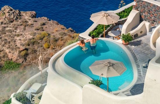 """Ελληνικός τουρισμός: """"Απογείωση"""" των αεροπορικών θέσεων το 2018"""