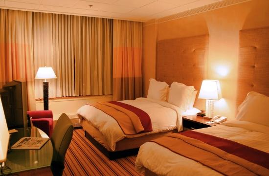ΞΕΕ-ΙΤΕΠ: Αυτές είναι οι πρόσθετες επιβαρύνσεις στα ξενοδοχεία, αν εφαρμοστούν τα νέα φορολογικά μέτρα