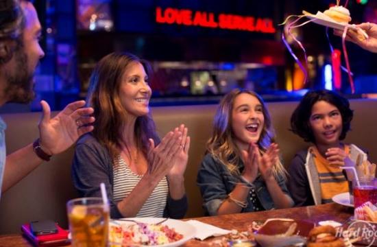 Hard Rock Cafe: Επιστρέφουν τα πιο διασκεδαστικά πρωινά Κυριακής