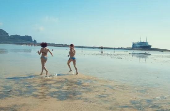Ξένοι φοιτητές Erasmus απολαμβάνουν το ελληνικό καλοκαίρι στην Κρήτη