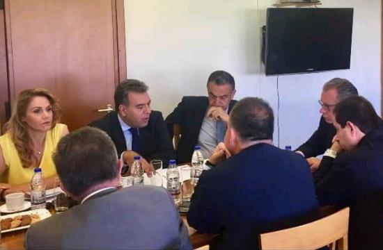 O M. Kόνσολας σε σύσκεψη για το προσφυγικό στα νησιά
