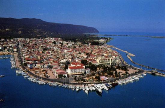 Διαγωνισμός για τουριστικό περίπτερο και λουτρικές εγκαταστάσεις στην πλαζ Κάστρο Λευκάδας