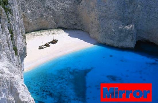 Mirror: Τρεις ελληνικές παραλίες στις 8 ομορφότερες στη Μεσόγειο αυτό το καλοκαίρι