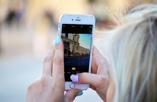 Γερμανικός τουρισμός: Αναπόσπαστο αξεσουάρ των διακοπών το κινητό
