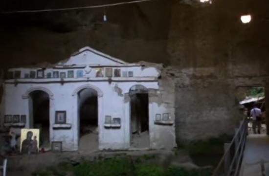 Η απόκοσμη Μονή Ασκητή μέσα στη σπηλιά και η άγνωστη ιστορία με τον μοναχό