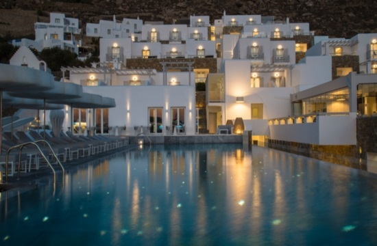 To ξενοδοχείο Mykonos Riviera στα Small Luxury Hotels of the World