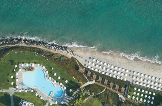 Διοίκηση και εργαζόμενοι του Neptune Hotels υποδέχονται με χαρά την έναρξη της σεζόν