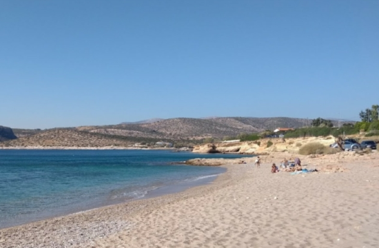 Η άγνωστη παραλία της Αττικής με την αφράτη άμμο