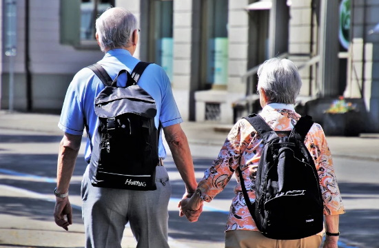 Έρευνα: Το 56% των Γερμανών άνω των 50 ετών επιθυμούν διακοπές στο εξωτερικό το 2021
