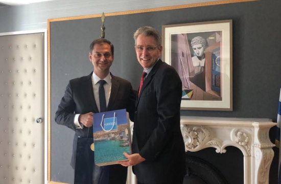 Χ. Θεοχάρης: Συνάντηση με τον Αμερικανό Πρέσβη τουρισμό και επενδύσεις