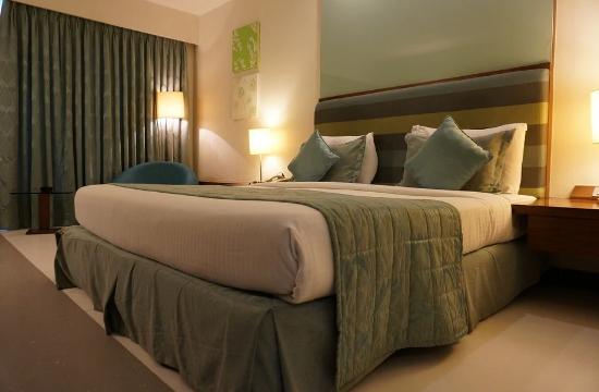Νέες άδειες για ξενοδοχεία σε Μύκονο και Σαντορίνη