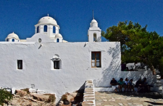 Το ελληνικό πρωινό της Σίφνου στην Παναγιά του Βουνού
