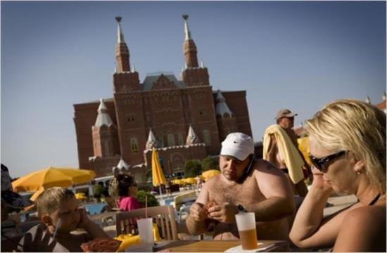 Ρωσικός τουρισμός: Στροφή στα οργανωμένα πακέτα και τα φθηνότερα ξενοδοχεία το 2019