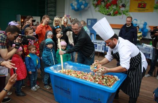 Επιστρατεύεται η χωριάτικη σαλάτα για την προσέλκυση Ρώσων τουριστών
