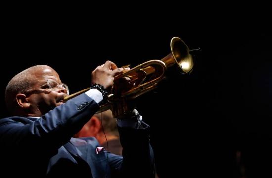 Sani Festival: Το Jazz on the Hill σηκώνει αυλαία στο Λόφο Σάνης