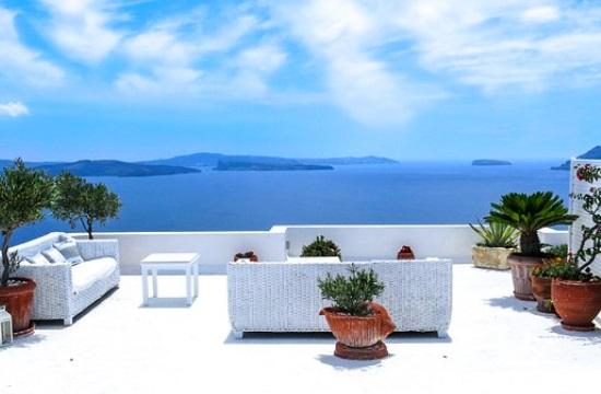 Τα 5άστερα της Σαντορίνης τα πιο ακριβά στη Μεσόγειο το Μάιο - Η Αθήνα πρώτη επιλογή