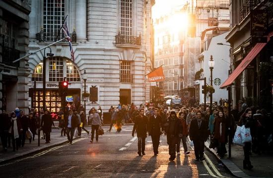 Planet: Το Ην. Βασίλειο καταργεί τις Tax Free αγορές- απώλειες 10 δισ. λίρες στα καταστήματα λιανικής