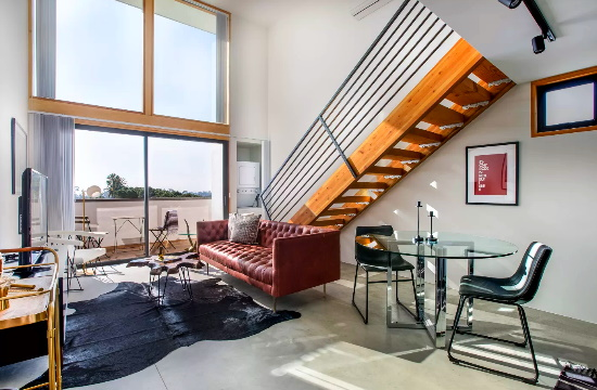 """""""Αυτό που θέλουν οι ταξιδιώτες"""": Νέα αγορά καταλυμάτων που συνδυάζει Airbnb και ξενοδοχείο"""