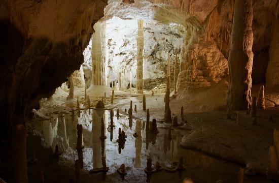 Ρομποτικό τουριστικό σύστημα προστασίας και πλατφόρμα εικονικής περιήγησης στο σπήλαιο Αλιστράτης